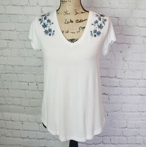 American Eagle Soft & Sexy Floral Embroidered Tee